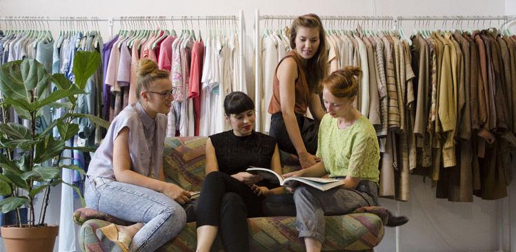LENA the fashion libary