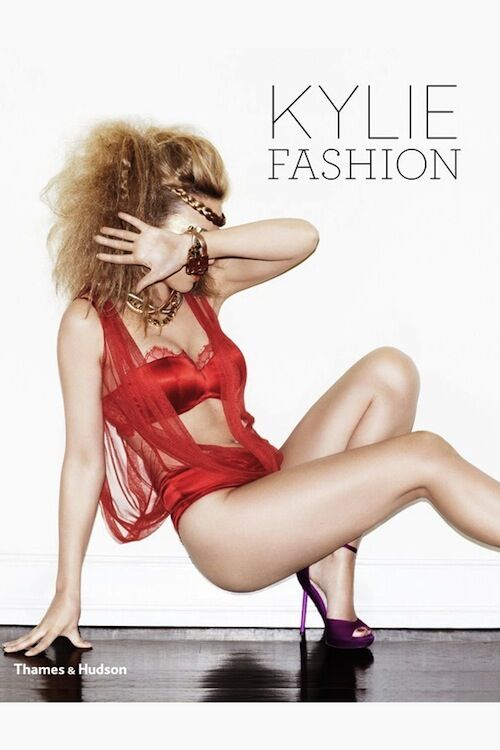 Kylie/Fashion cover | Kylie Minogue lanceert modeboek