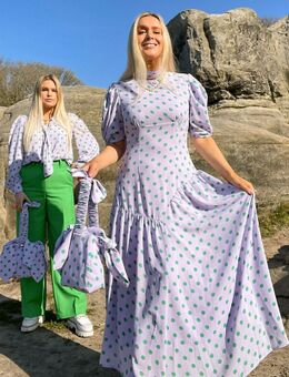 X Olivia & Alice - Midi jurk met asymmetrisch detail en contrasterende stippenprint-Paars