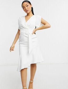 Midi jurk met pofmouwen en asymmetrische zoom in ivoorwit