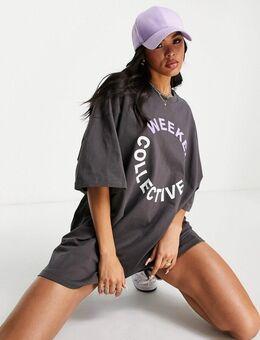 ASOS - Weekend Collective - Oversized T-shirtjurk met gekleurd logo in antraciet met wassing-Grijs
