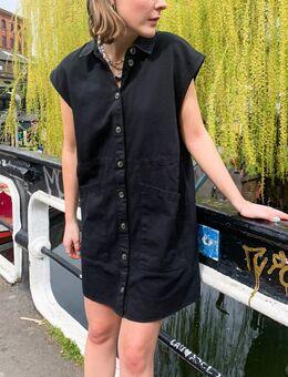 Denim overhemdjurk met zakken in zwart