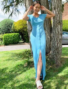 Lange jurk met knopen voor en ronde hals-Blauw