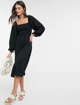 Gerimpelde midi-jurk met vierkante halslijn in zwart