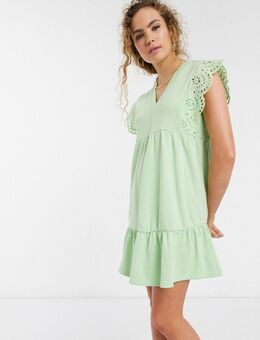Aangerimpelde mini-jurk met broderie-randen-Groen