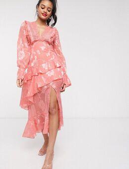 Diepuitgesneden midi-jurk met ruches in abrikooskleur-Oranje
