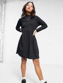 Lizzie - Hoogsluitende aangerimpelde jurk in zwart