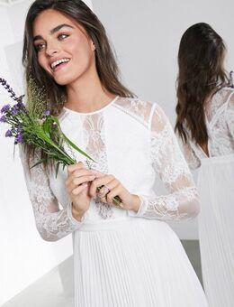 Iris - Lange trouwjurk met lange mouwen, kanten lijfje en geplooide rok-Wit