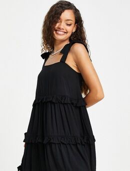 Gelaagde mini-jurk met ruches in zwart