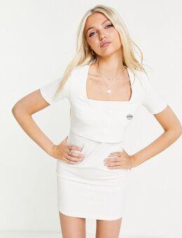 Geribbelde mini-jurk met vierkante hals in wit