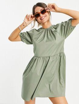Aangerimpelde jurk in kaki-Groen