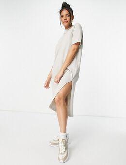 T-shirtjurk met klein logo in het midden in beige-Neutraal