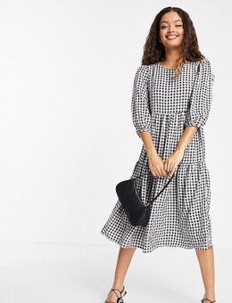 Urban Threads - Petite - Aangerimpelde midi jurk met stroken en gingham ruit-Zwart