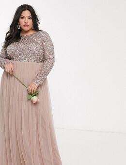 Lange tule jurk met lange mouwen, V-rug en bovenlaag van verfijnde lovertjes in dezelfde kleurschakering in taupe-Bruin
