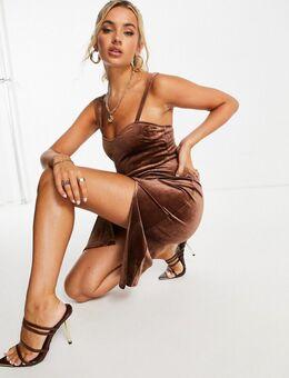 Fluwelen midi-jurk met split aan de voorkant in chocoladebruin
