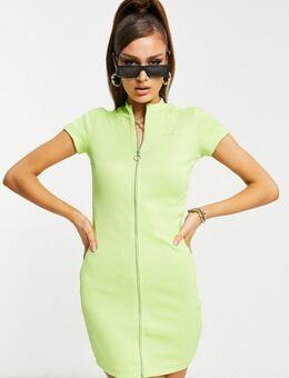 Classic - Geribbelde, strakke jurk met korte mouwen in groen