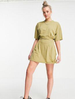 T-shirtjurk met ingenomen taille in kaki-Groen