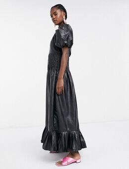Lange jurk van imitatieleer met aangerimpelde taille-Zwart