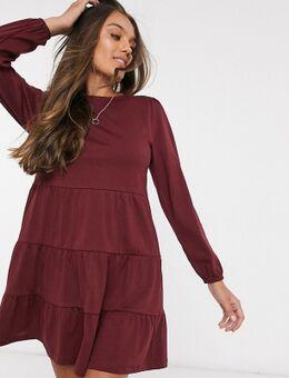 ASOS DESIGN Petite - Aangerimpelde mini-jurk met gelaagde zoom en lange mouwen in wijnrood
