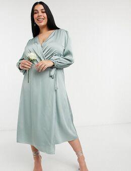 TNFC Plus - Bruidsmeisjes - Satijnen midi jurk met lange mouwen en overslag aan de voorkant in saliegroen