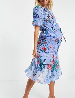 Hope & Ivy - Zwangerschapskleding - Asymmetrische midi jurk met pofmouwen en klaprozenprint in felblauw