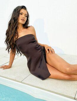 X Natalya Wright - Exclusieve mini strandjurk met hoge dijsplit in bruin