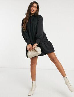Mini-jurk van sweatstof met strook langs zoom en grote mouwen in zwart