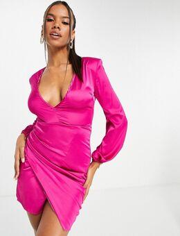 Diepuitgesneden asymmetrische jurk van satijn met lange mouwen in roze