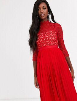 Halflange kanten jurk met 3/4mouwen in tomatenrood