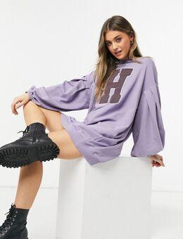 Oversized mini-sweaterjurk met ballonmouwen en grafische letter in paars