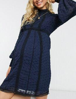 ASOS DESIGN Maternity - Victoriaanse jurk met kant in marineblauw