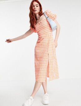– Seersucker-Kleid mit Puffärmeln und rosa Karomuster