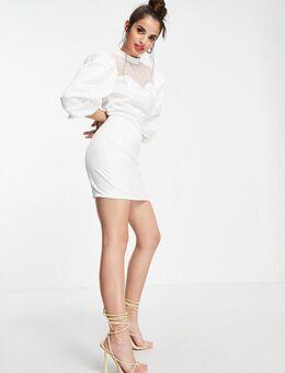 – Minikleid in Weiß mit hohem Ausschnitt und Herzausschnitt