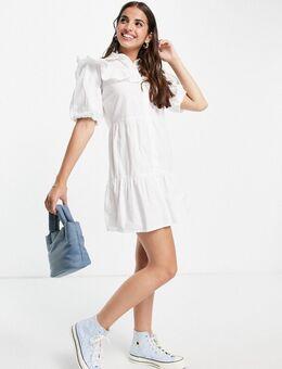 – Gerüschtes Hemdkleid in Weiß mit Lochstickerei