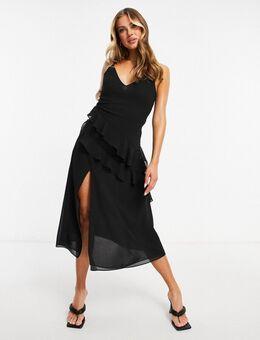 – Midaxi-Kleid in Schwarz aus Chiffon mit gestuften, asymmetrischen Rüschen