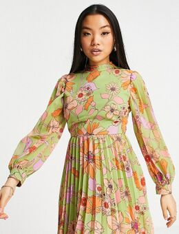 ASOS DESIGN Petite – Hochgeschlossenes, langärmliges Mini-Skater-Kleid mit Plisseefalten und Blumenmuster im Stil der 70er-Mehrfarbig
