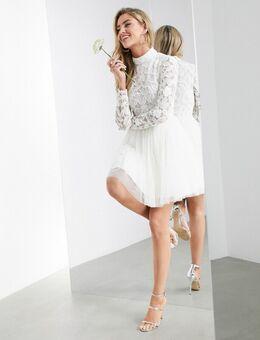 – Arabella – Mini-Hochzeitskleid mit verziertem Oberteil und Rock aus Netzstoff-Weiß