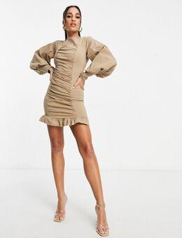 – Bodycon-Kleid mit Puffärmeln und Rüschen in Stein-Neutral