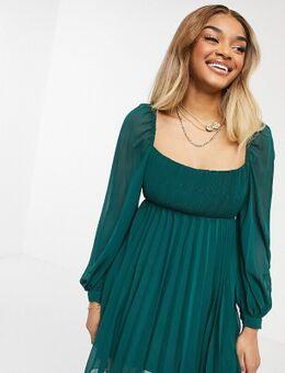 ASOS DESIGN Petite – Mini-Skater-Kleid mit eckigem Halsausschnitt und Falten in Tannengrün