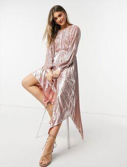 – Plissiertes Metallic-Kleid mit Zierausschnitten in Roségold-Rosa