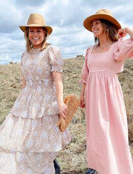 X Collyer Twins – Midaxi-Kleid mit gestuftem Rock und Lochstickerei-Mehrfarbig