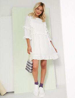 X Lorna Luxe – Weißes Skater-Kleid mit Rüschendetail