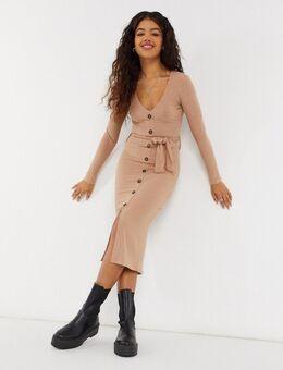 – Weiches, geripptes Kleid mit Bindegürtel in Camel-Braun