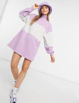 – Gestreiftes Pullover-Kleid mit Reißverschluss vorne in Violett
