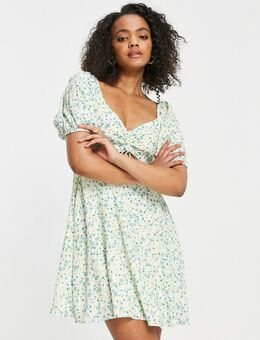 – Geblümtes Minikleid mit Zierausschnitt und Puffärmeln in Pistaziengrün-Mehrfarbig