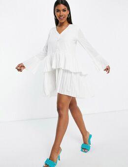 – Plissiertes, schwingendes Kleid in Weiß