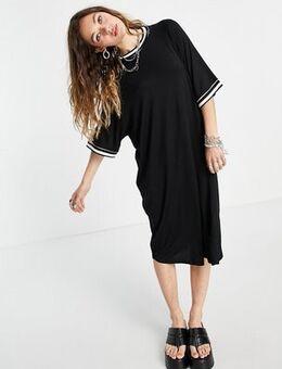 Oversized midi dress in black