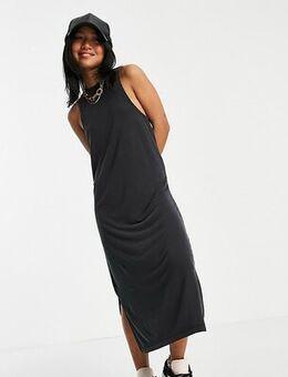 Sleeveless maxi dress in black