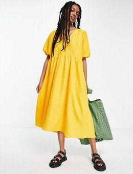 Femme midi textured dress in yellow