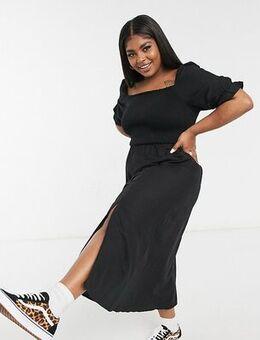 New Look Curve puff sleeve shirred midi dress in black
